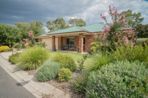 Modern, tidy and independent homes with assisted living at Park Hall Village Wodonga - Wodonga-00633
