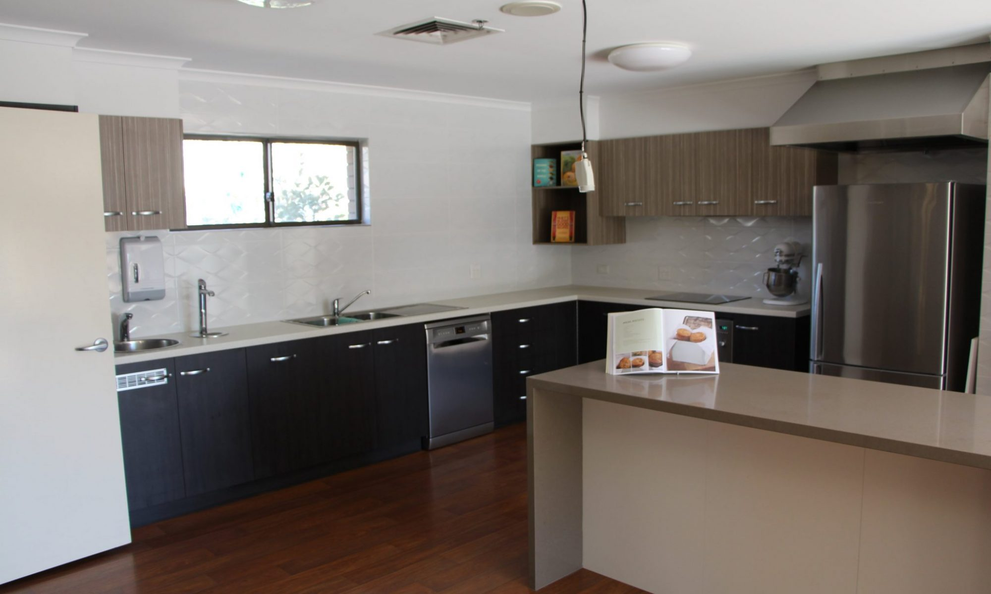 Murray Vale Shalem Hostel - Lavington - Kitchen